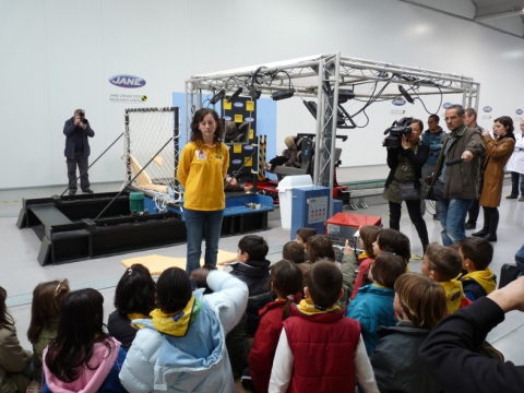 Excursió escolar al centre 'Jane Crash Test'