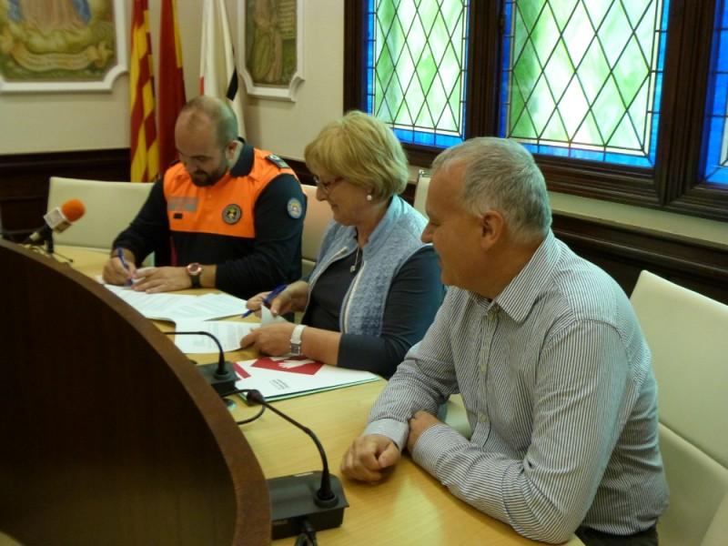 L ajuntament i protecci civil signen el conveni anual de for Conveni col lectiu d oficines i despatxos
